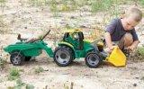 Traktor s prikolicom i lopatom Lena