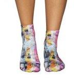 Wigglesteps art wall, ženske čarape, višebojno